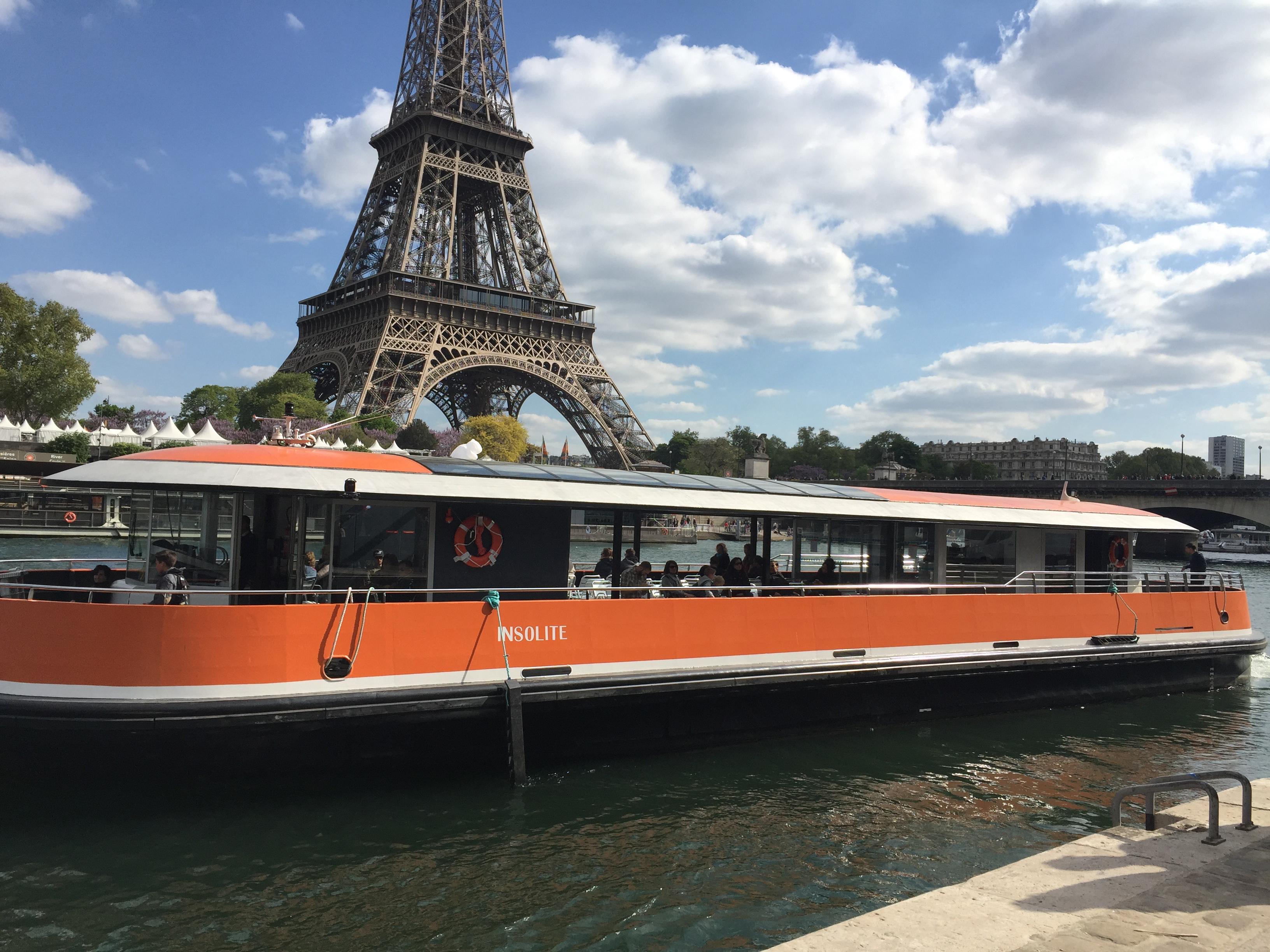 Croisiere-promenade-sightseeing-cruise-bateau- boat-visit-paris-centre-navigation-Insolite-tour-eiffel-tower